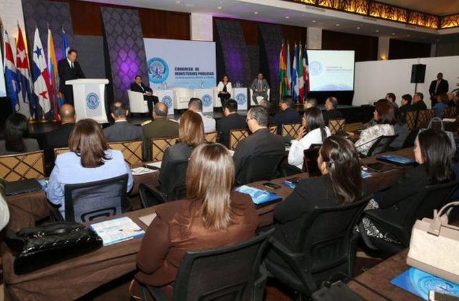 Varela-inauguro-manana-procuradores-fiscales_LPRIMA20160519_0117_34